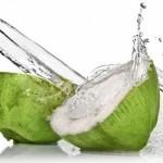 10 bonnes raisons de boire de l'eau de coco