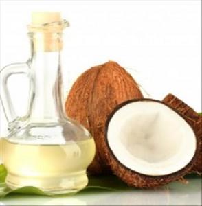 2/ Huile de noix de coco : des dents blanches et fortes