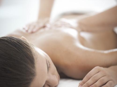 Massage à l'huile essentielle de Lavande