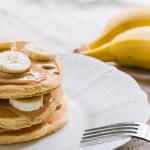 Voici comment je prépare le pancake moelleux à la banane sans œufs