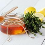 2 Sirops contre la toux au miel et au thym (Recettes Maison)