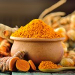 Préparer le thé de curcuma anti-inflammatoire