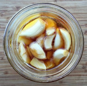 Ail fermenté au miel
